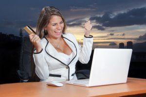 woman-purchase-a-cheap-car-insurance
